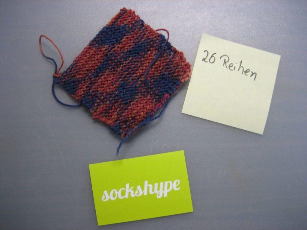 Babyschuhe stricken kostenlose Anleitung - Nach 26 Reihen hast du 10 cm erreicht. babyschuhe stricken Babyschuhe stricken aus Filzwolle – Anleitung