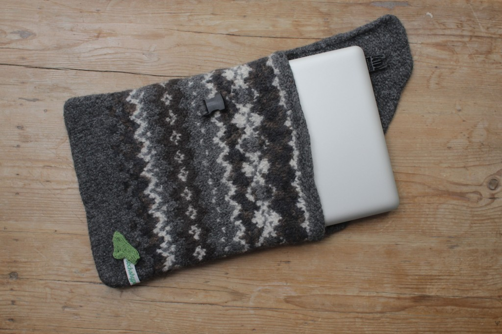 DIY Anleitung: Laptoptasche im Norwegermuster auf sockshype
