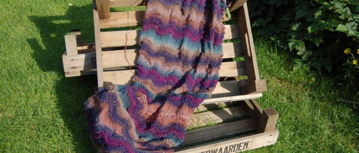 Gemacht mit Liebe und Wolle: Schal stricken mit Wellenmuster