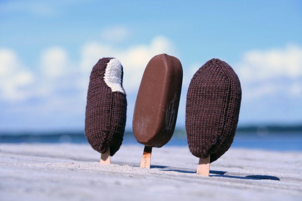 """Caprice Birker capstatt Eis Schokoladeneis caprice birker Caprice Birker führt ein """"Delikatessengeschäft"""" für Strick und Handarbeitsfans"""