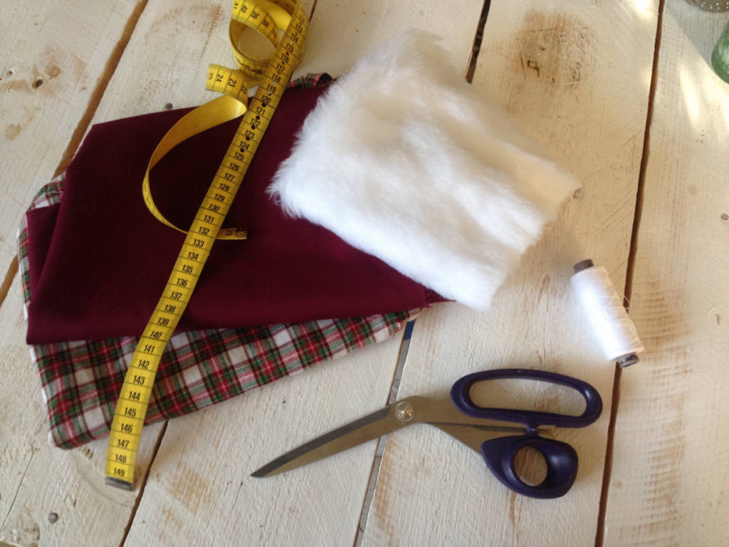 What you need to sew a Christmas stocking easy
