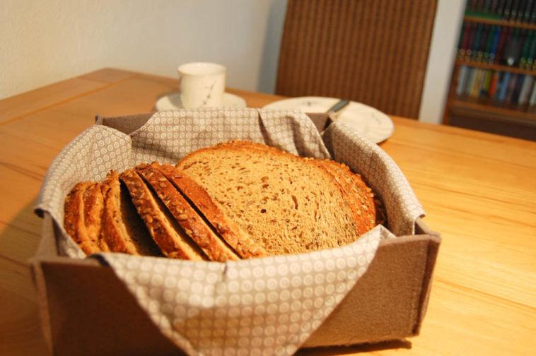 brotkorb aus filz Anleitung: Brotkorb aus Filz nähen