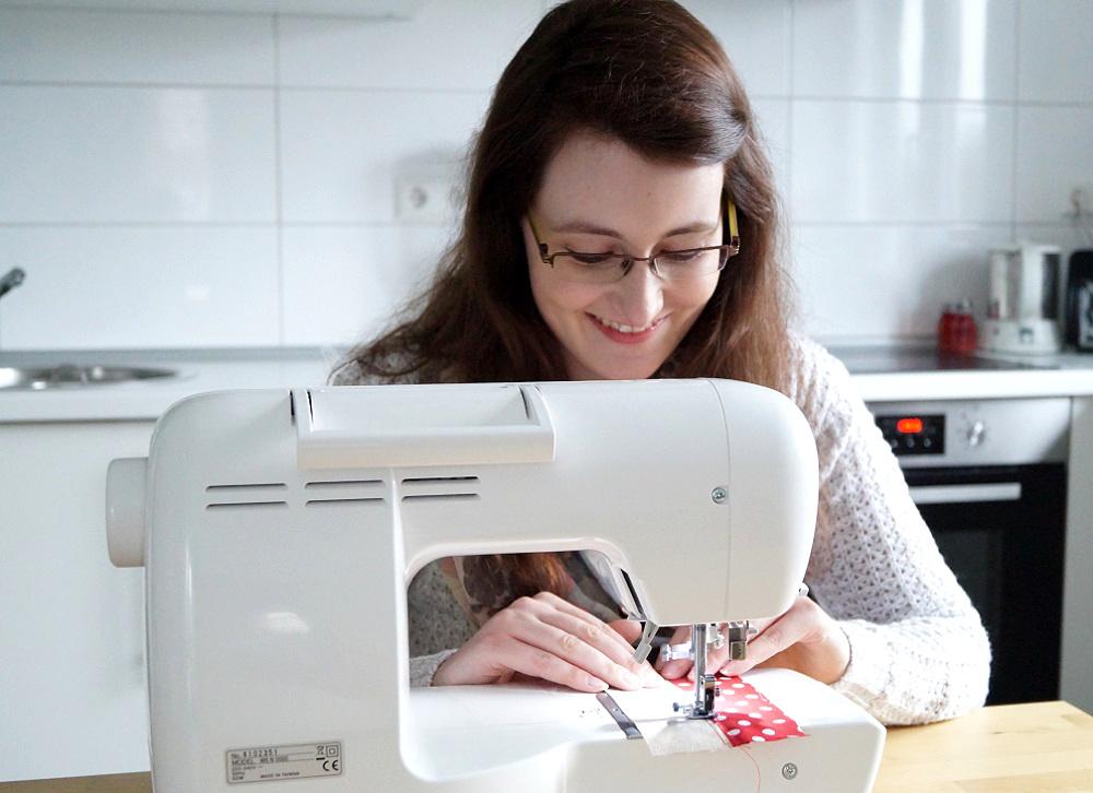 Näht am Küchentisch: Stephanie von kreativprojekte handarbeitsplatz Aufruf: Zeigt her euren Handarbeitsplatz!