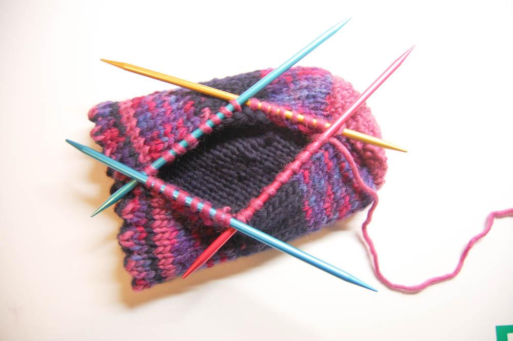 Anleitung: Handschuh für Getränke stricken | sockshype