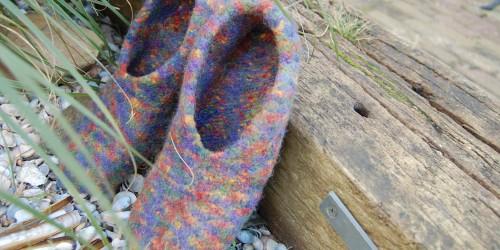 Warme Füße daheim - Filzpantoffeln warme füße Thema des Monats 7/2015: Warme Füße daheim