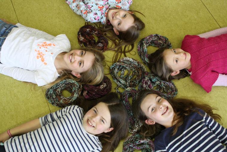 Stricken macht Schule stricken macht schule Stricken macht Schule – 100 Schulklassen erhalten Wollpakete