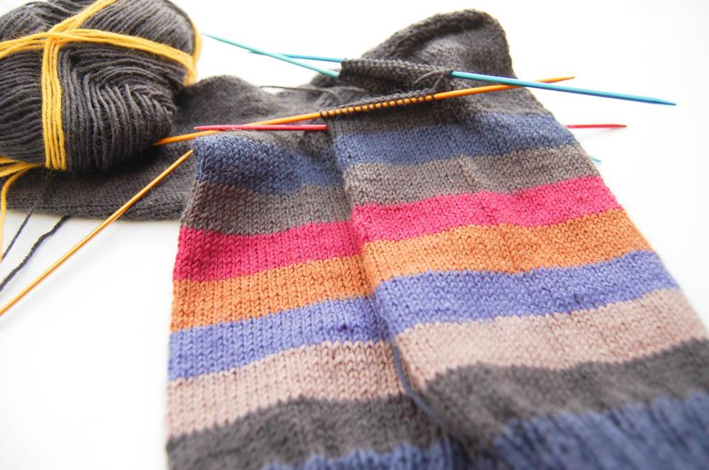 Identische Socken Stricken mit Regia Pairfect von Schachenmayr regia pairfect Mit Schachenmayr REGIA PAIRFECT identische Socken stricken
