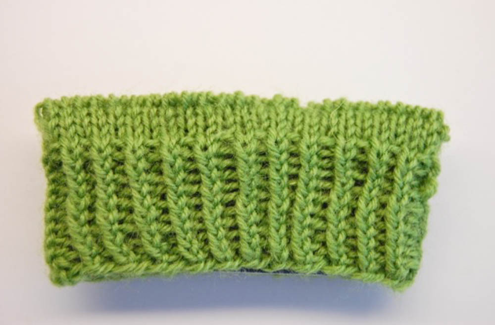 Bündchen stricken: gedrehte Einerrippe bündchen stricken Bündchen stricken: 15 geniale Möglichkeiten