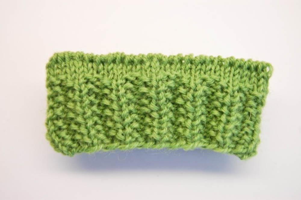 Bündchen stricken: Versetzte Zweierrippe bündchen stricken Bündchen stricken: 15 geniale Möglichkeiten