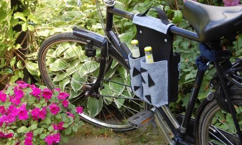 Fahrradtasche lässt sich perfekt montieren  Thema des Monats August 2015: Pimp your bike – Pep dein Fahrrad auf