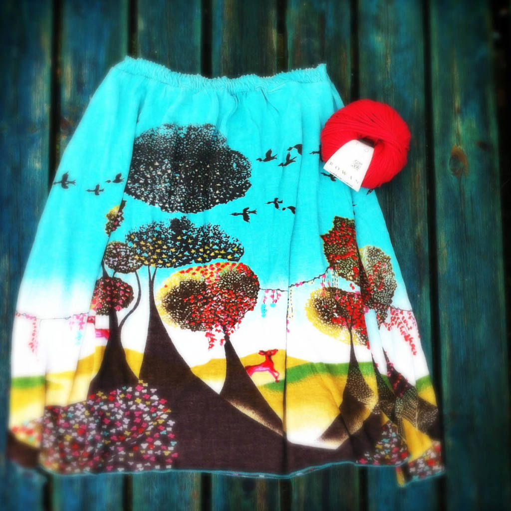 Ein alter Rock Skirt-to-Dress Upcycled by lalylala