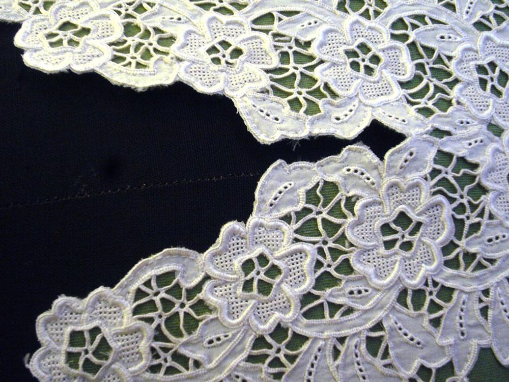 Upcycling-Kleidung baumwollspitze, dekorativ verarbeitet Schneiderin Rachel Kopp fertigt hochwertige Upcycling-Kleidung
