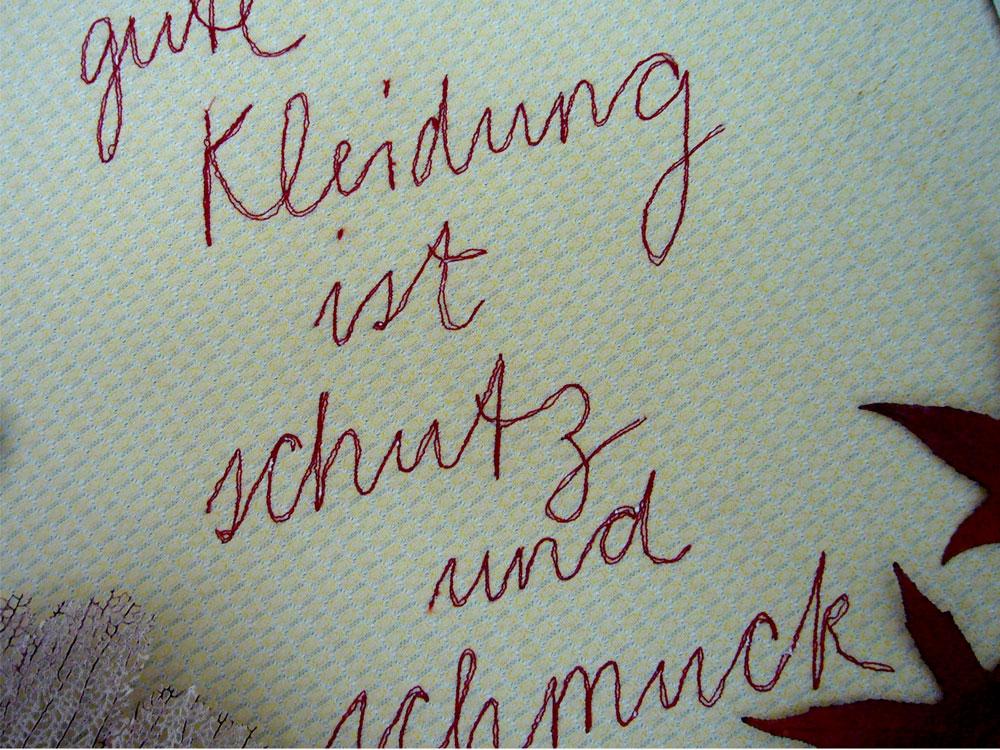 Upcycling-Kleidung gute-kleidung, genähter Schriftzug Schneiderin Rachel Kopp fertigt hochwertige Upcycling-Kleidung