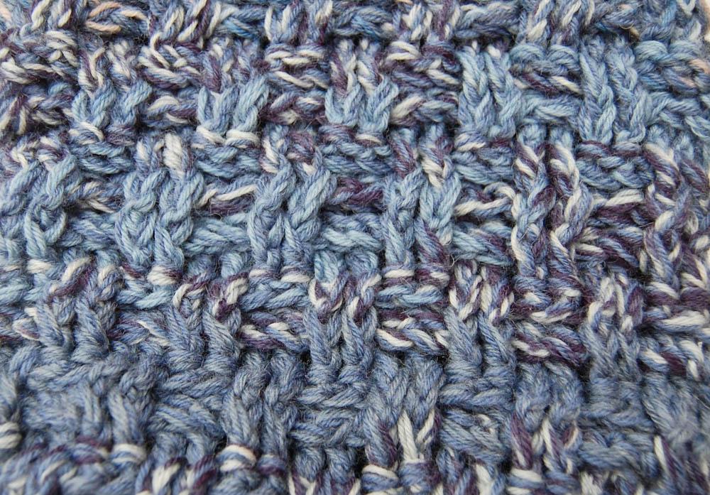 Loop häkeln - das Muster Loop häkeln Anleitung: Loop häkeln im Korbmuster aus Wollresten