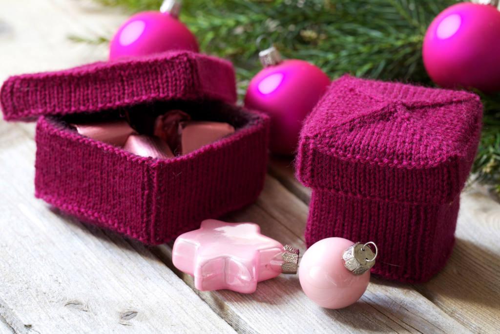 Weihnachtsdeko selber machen – Geschenkbox stricken weihnachtsdeko selber machen 10 geniale Anleitungen: Weihnachtsdeko selber machen