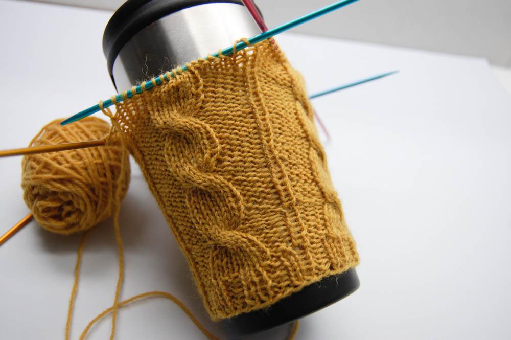 Hülle für Kaffeebecher stricken hülle für kaffeebecher stricken Kaffeebecher stricken gegen 2,8 Milliarden Coffee to go-Becher