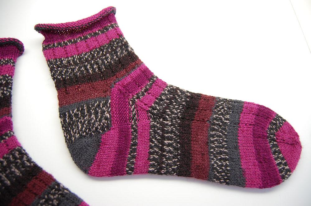 Toe Up Socken - fertige Socke toe up socken Anleitung: Toe Up Socken stricken