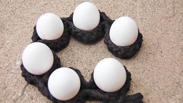 Anleitung: Eierbecher häkeln mit Textilgarn gehäkelter eierhalter Anleitung: Hübsche Eierbecher häkeln mit Textilgarn