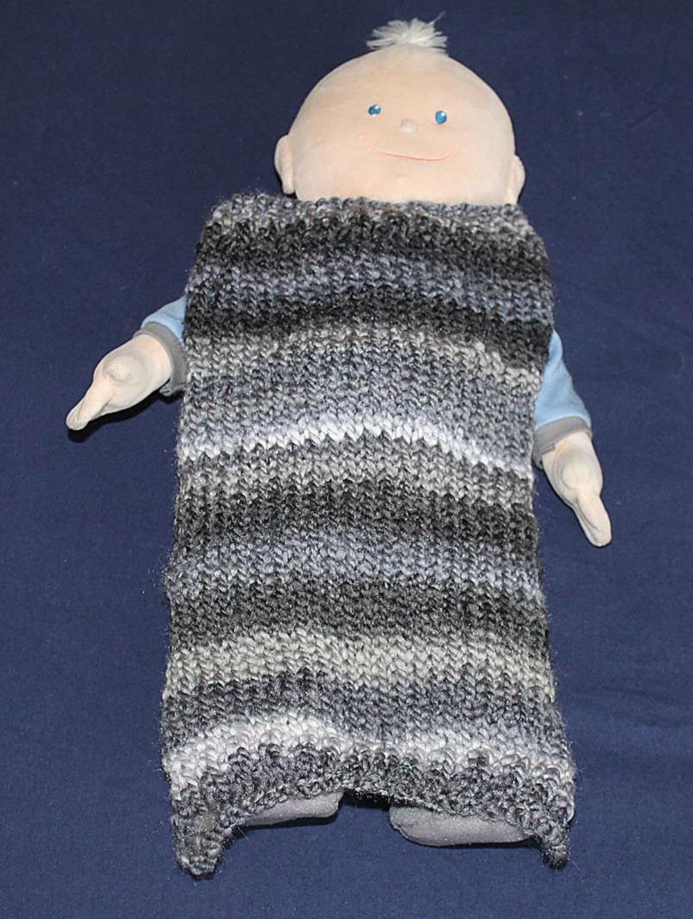 Kinder stricken - Decke für die Puppe