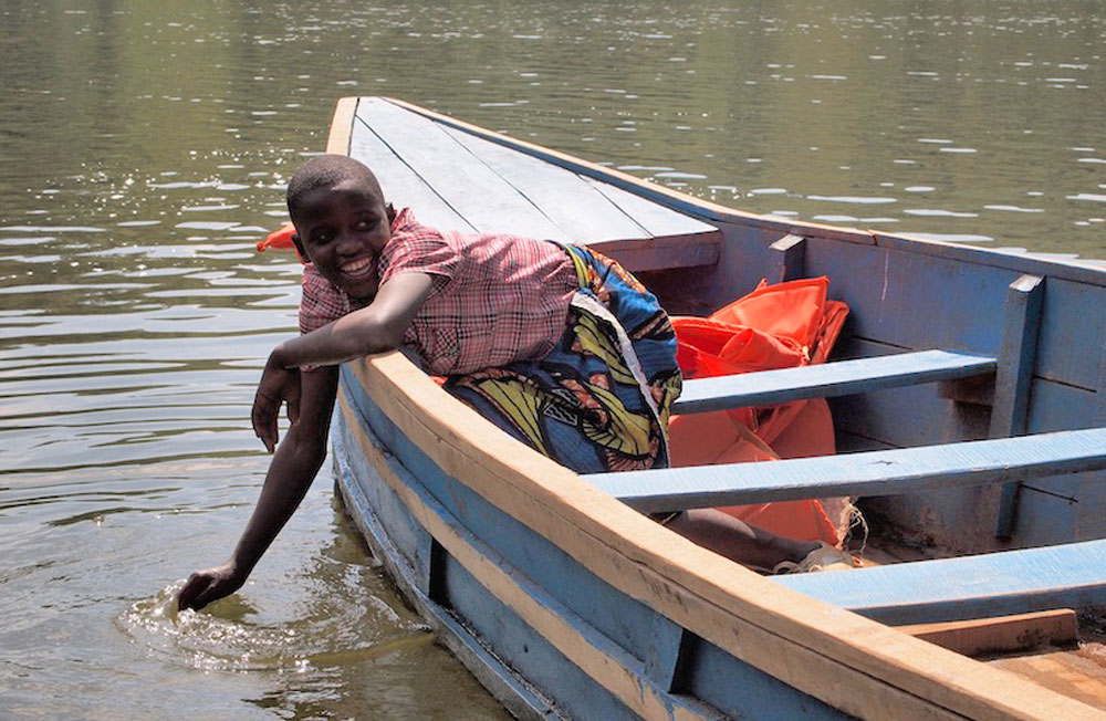 Intombi - Mädchen im Boot