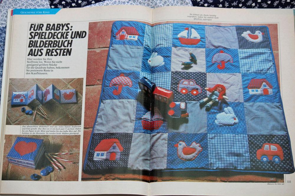 krabbeldecke n hen in patchwork mit applikationen sockshype. Black Bedroom Furniture Sets. Home Design Ideas