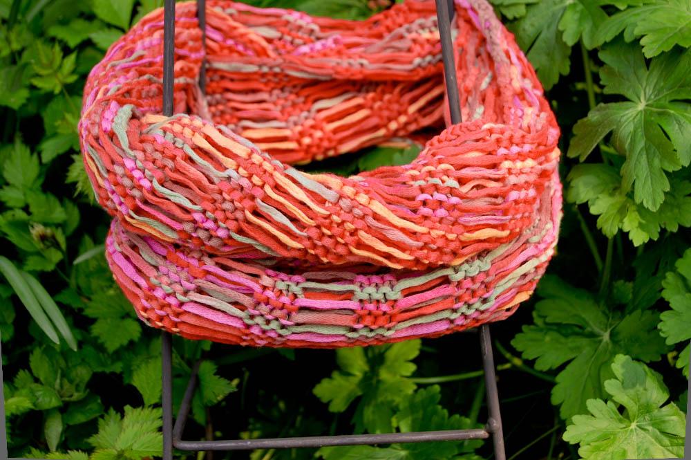 Fallmaschenloop stricken fallmaschen stricken Anleitung: Sommerlichen Fallmaschenloop stricken