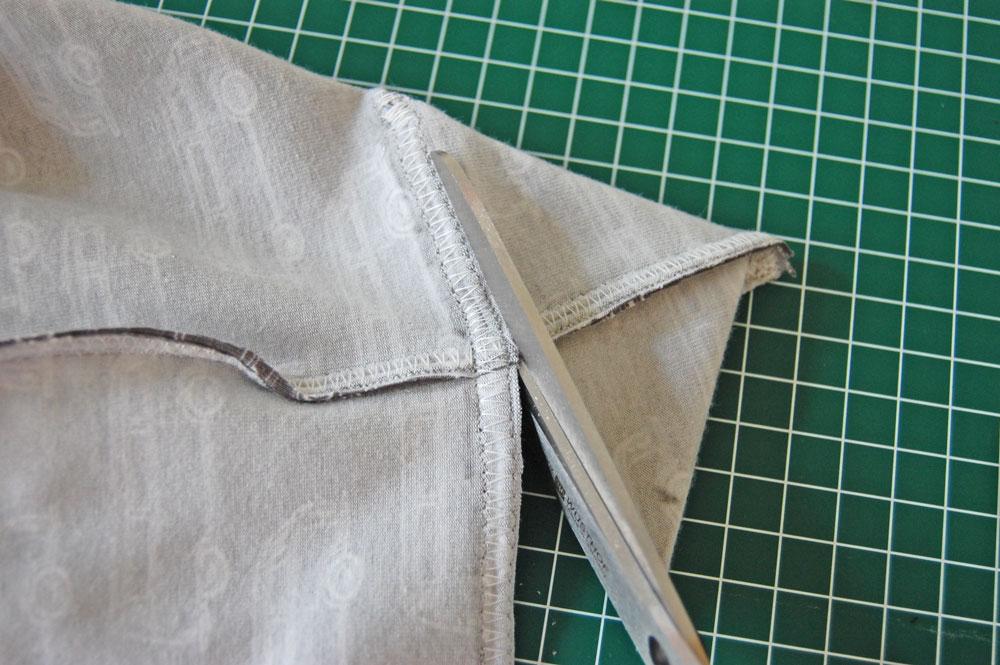 Schneide die Ecke ab. rucksack nähen Rucksack nähen – Anleitung Schritt für Schritt