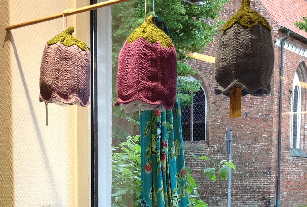 Wolle & Kunst - Schaufenster Mützen
