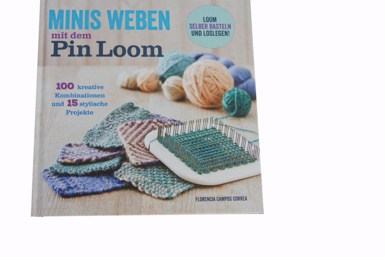 Minis weben mit dem Pin Loom - Titelbild minis weben mit dem pin loom Verlosung: Buch Minis weben mit dem Pin Loom von Florencia Campos Correa