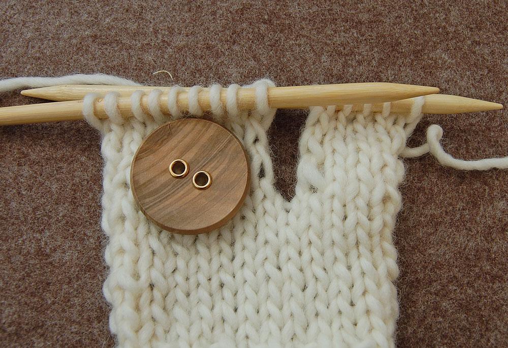 Senkrechte Knopflöcher stricken - zweite Seite arbeiten