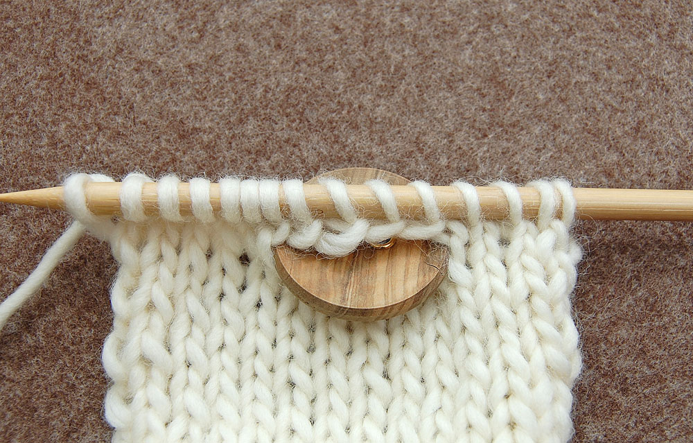 Knopflöcher stricken - Waagerechtes Knopfloch