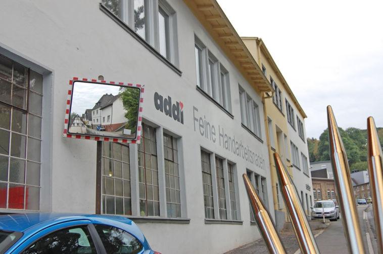 Werksbesichtigung bei addi - Firmengebäude