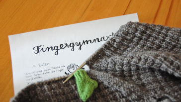 Fingergymnastik - Kirsten Ritter Fingergymnastik Tipp: Entspannung beim Stricken oder Häkeln durch Fingergymnastik