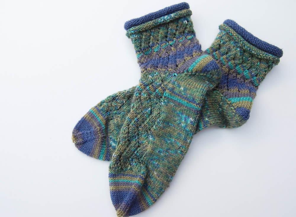 Geschenke stricken - Socken mit Rollrand
