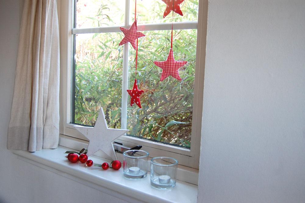 Weihnachtssterne nähen - Fensterdeko Anleitung: Weihnachtssterne nähen