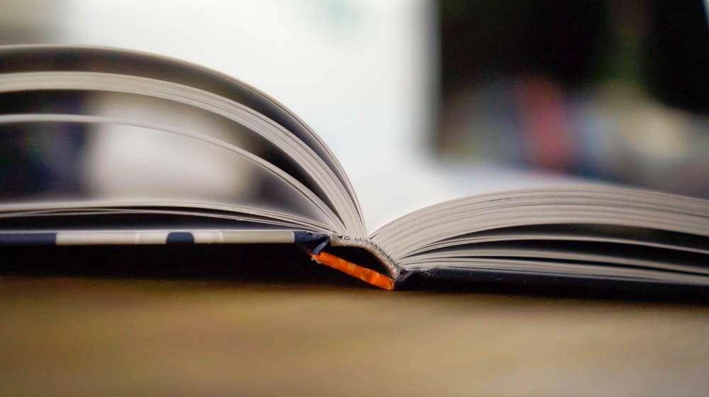 Der geniale Sockenworkshop mit Hardcover der geniale sockenworkshop Buchbesprechung: Der geniale SockenWorkshop