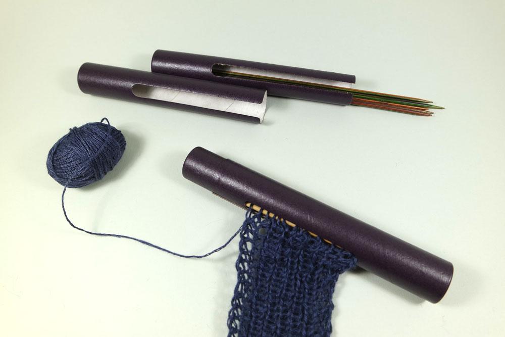 Geschenke für Strickfreunde – Nadelhalter für Stricknadeln // Bild: Solveig Busler
