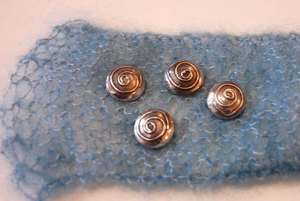 Geschenke für Strickfreunde - Silberknöpfe