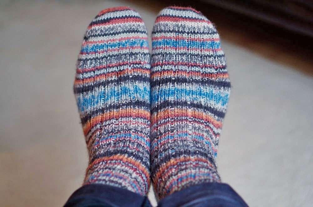 Socken in großen Größen stricken - Mustergleiche Socken