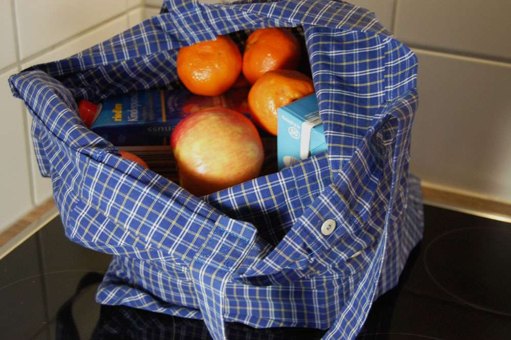 Upcycling: Tasche aus Hemd nähen stoffbeutel nähen Upcycling: Tasche aus Hemd nähen