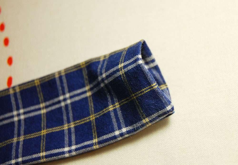 Stoffbeutel nähen aus Oberhemd - Träger umschlagen stoffbeutel nähen Upcycling: Tasche aus Hemd nähen