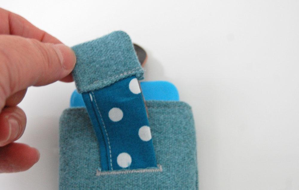 anleitung smartphone tasche n hen mit ausziehhilfe sockshype. Black Bedroom Furniture Sets. Home Design Ideas