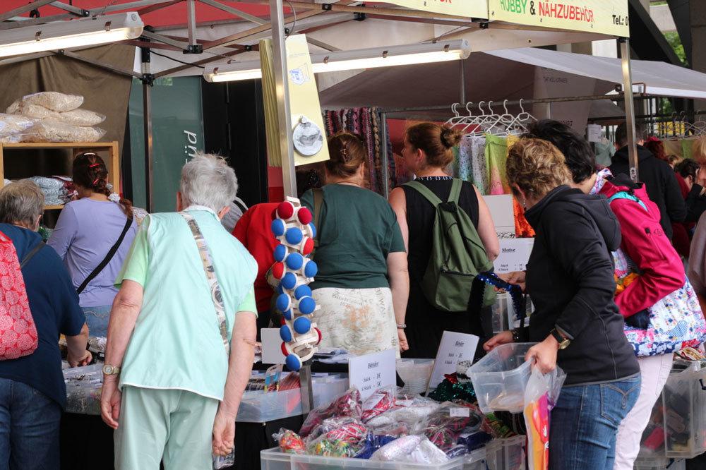 Kölner Creativ Sommer 2017 - Andrang auf dem Kreativmarkt Kreativmarkt 11 Tipps für einen entspannten Einkauf auf dem Kreativmarkt