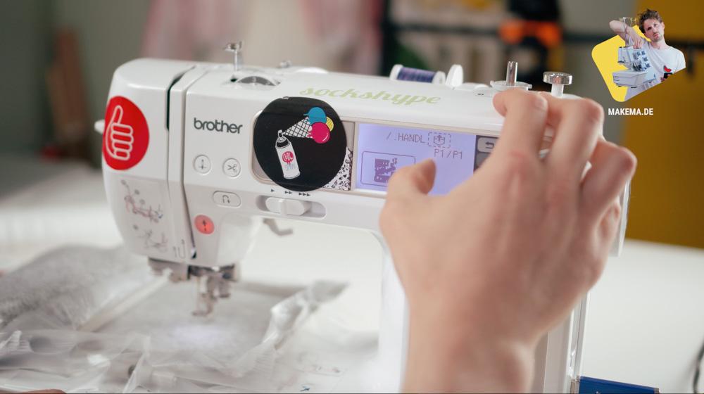 Stickdatei von Makema.de auf der Stickmaschine auswählen. wasserlösliche stickfolie Wasserlösliche Stickfolie in der Anwendung