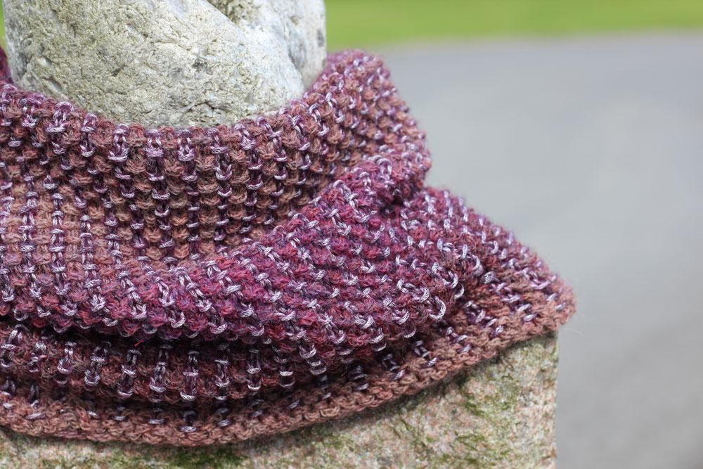 Loop mit Hebemaschen stricken - mix&knit - fertiger Loop