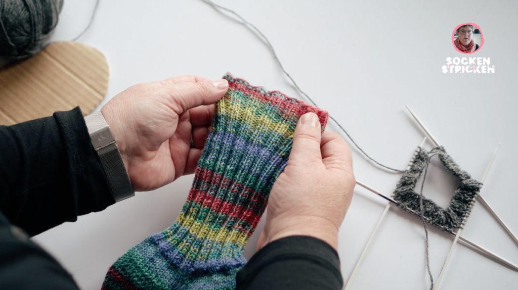 Socken stricken mit dem Nadelspiel