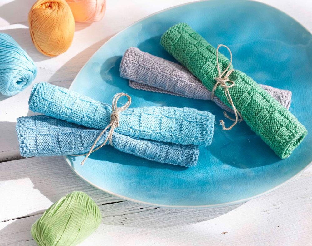 Geschenke stricken-Tanja Steinbach_Aus Baumwolle gestrickte Spültücher sind derzeit sehr beliebte Mitbringsel