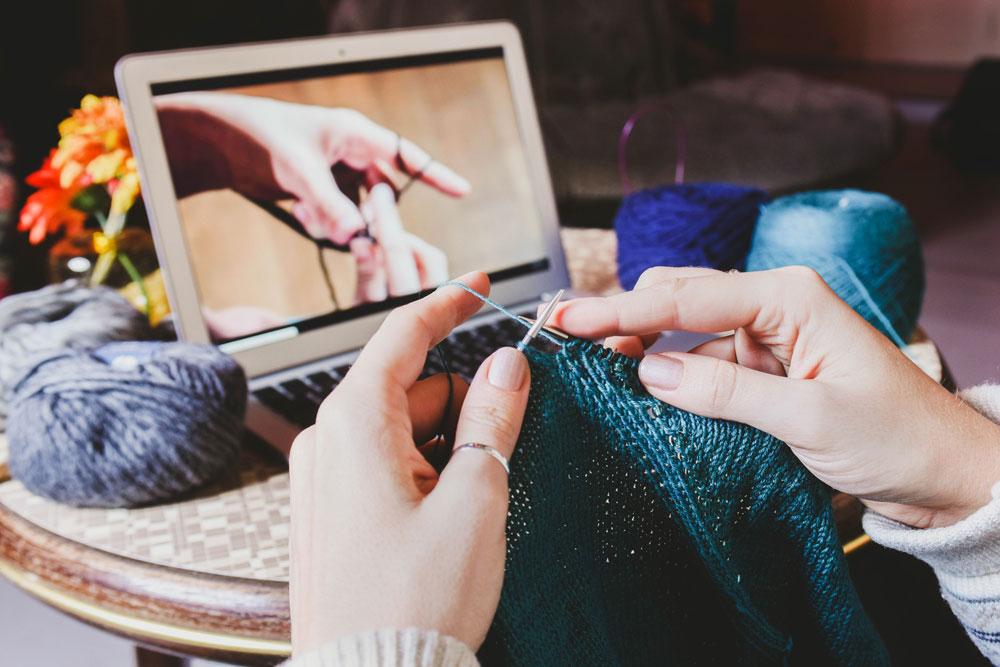 Stricken lernen mit einem Makerist-Kurs makerist Amber Riedl – Gründerin von Makerist im Interview