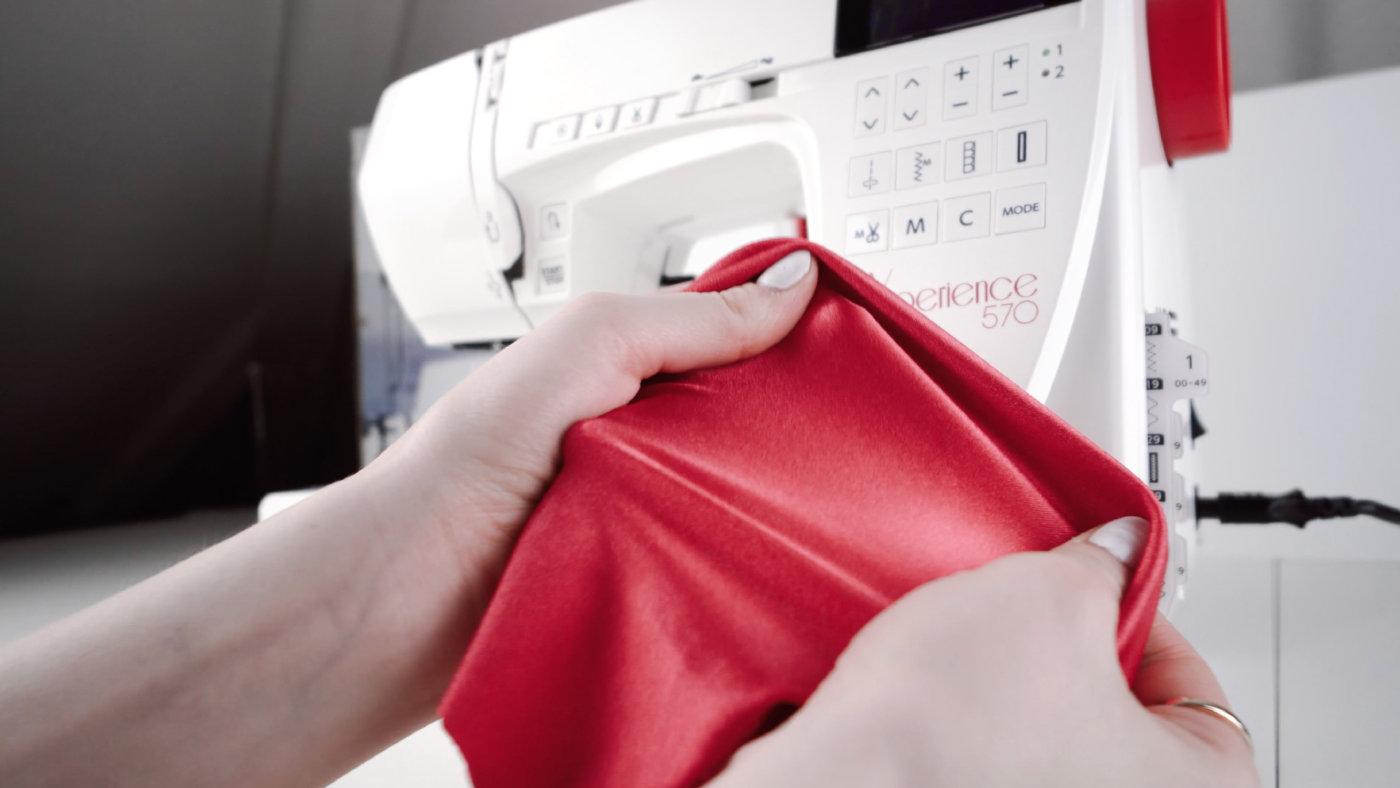 Lycra oder Jersey sind dehnbare Stoffe