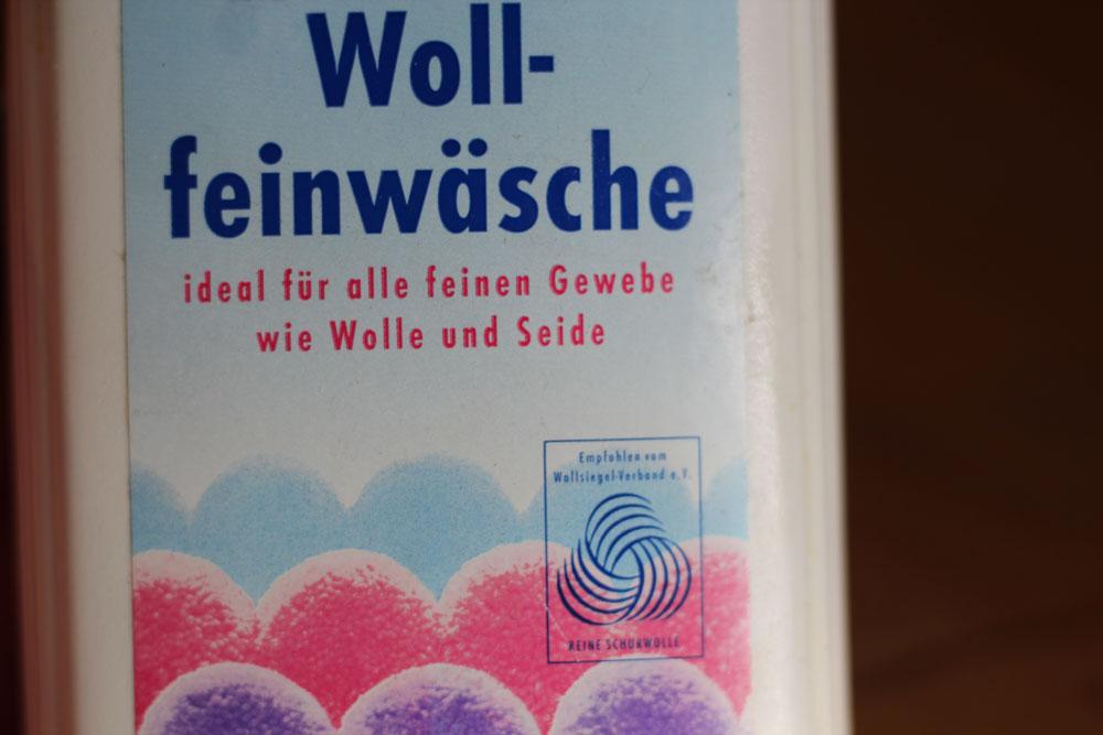 Wolle richtig pflegen -Sinnvoll ist ein spezielles Wollwaschmittel oder ein mildes Shampoo. [object object] Wolle richtig pflegen